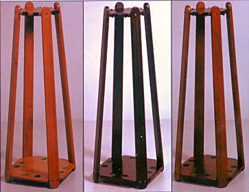 8 Cue Pyramid Cue Stand